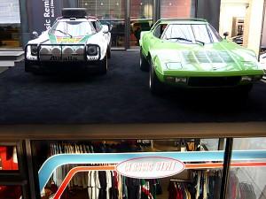 Lancia Stratos Safari(li.), Straßenversion(re.)