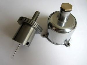 Steuereinheit: polierte Saugglocke, druckgedämpfter Kolben mit einer Nadel vom Typ SS
