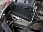 Originalgetreu rekonstruierte Flanke des Batteriekasten